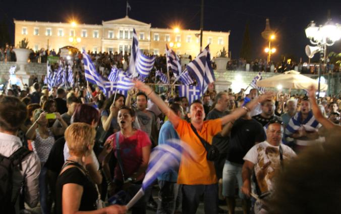Jubel am Abend des Referendums auf dem Syntagma-Platz in Athen