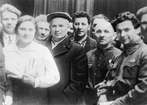 Chrustschow unter den Delegierten einer Moskauer Parteikonferenz