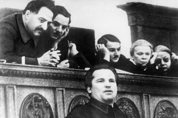 Kirow bei seiner Rede auf dem siebzehnten Parteitag der KPdSU (B)